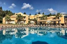 Corfu Trail km 10 Etappe 1 Übernachtung in Kavos Hotel Olympion Village mit Pool