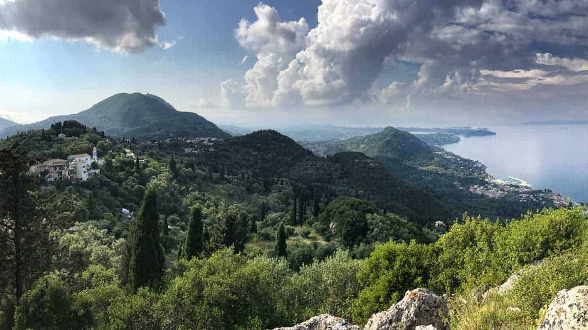 Corfu Trail km 64 Ausblick auf Korfu Stadt und den Norden der Insel