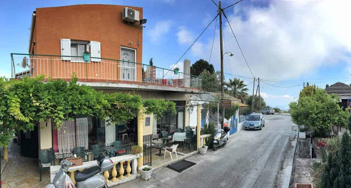 Corfu Trail km 64 Etappe 4 Übernachtung in Dafnáta Costas Bar