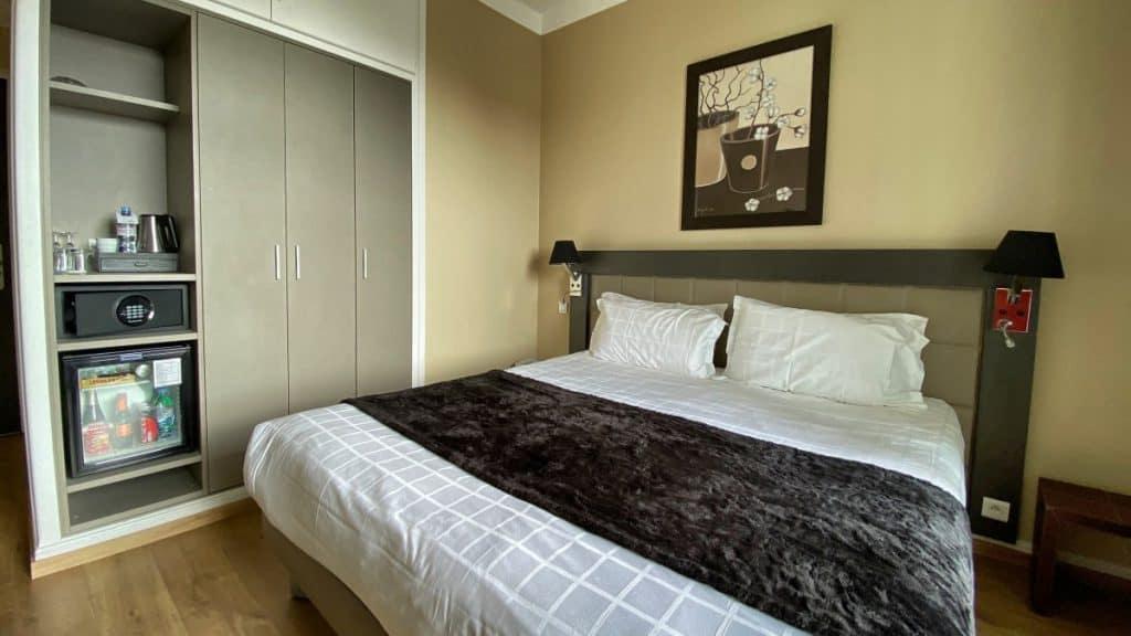 Fernwanderung Nizza Grasse Hotels BedBreakfasts 0041 1200px