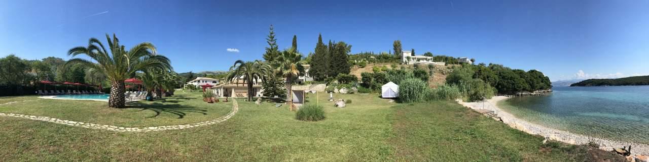 Hotel Bella Mare Insel Korfu Avlaki Kassiopi Blick auf die weitläufige Hotelanlage des Bella Mare
