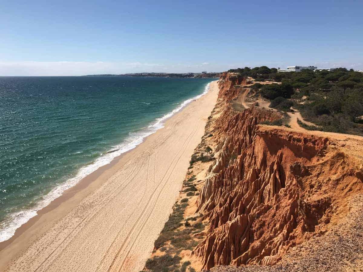Küstenwanderung Algarve Etappe 1 17 Die Praia da Falésia ist ca. 6 km lang