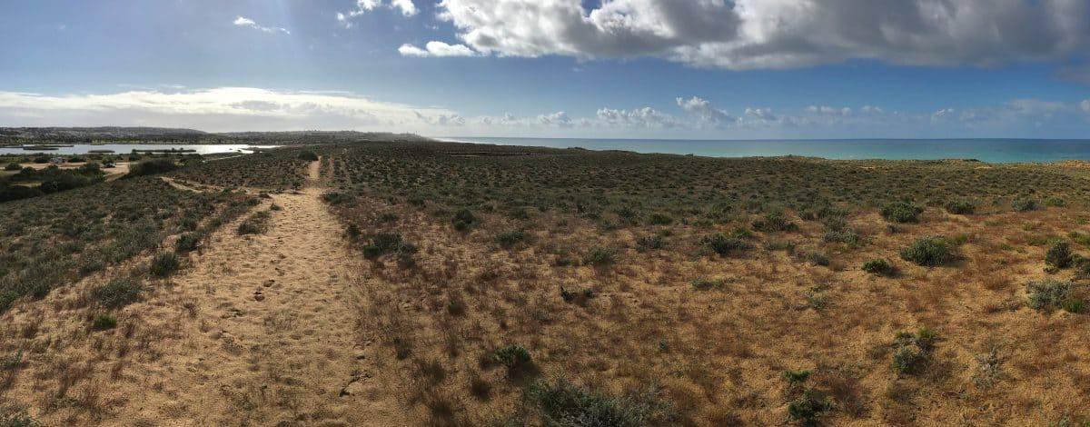 Küstenwanderung Algarve Etappe 3 04 Dünenlandschaft bei der Logoa dos Salgados