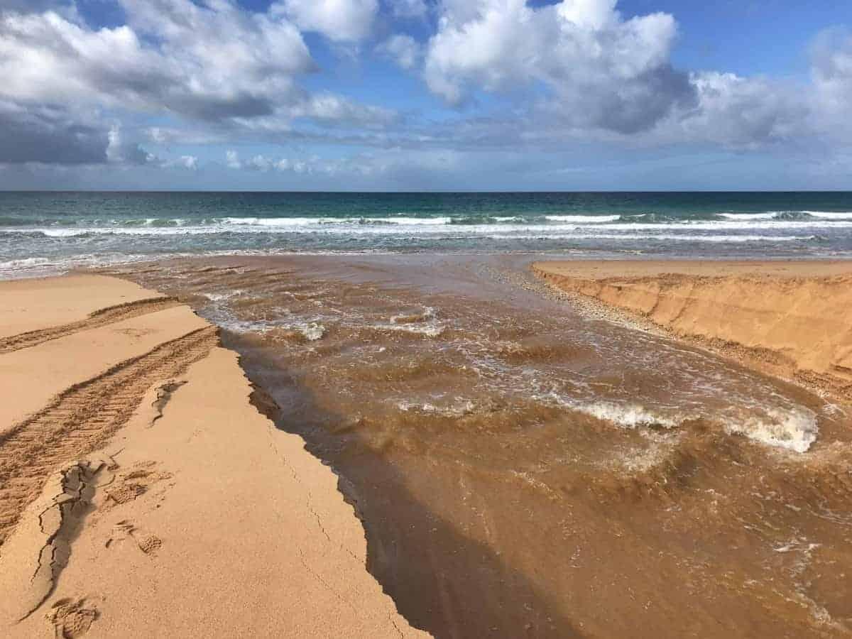 Küstenwanderung Algarve Etappe 3 05 Hier ist furten angesagt Ribeira de Alcantarilha