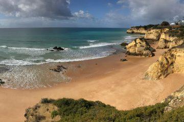 Küstenwanderung Algarve Etappe 3 07b Praia dos Beijinhos