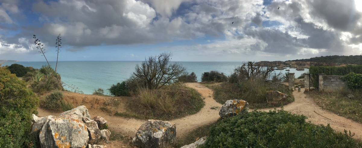 Küstenwanderung Algarve Etappe 4 19 Oberhalb der Praia do Alemão