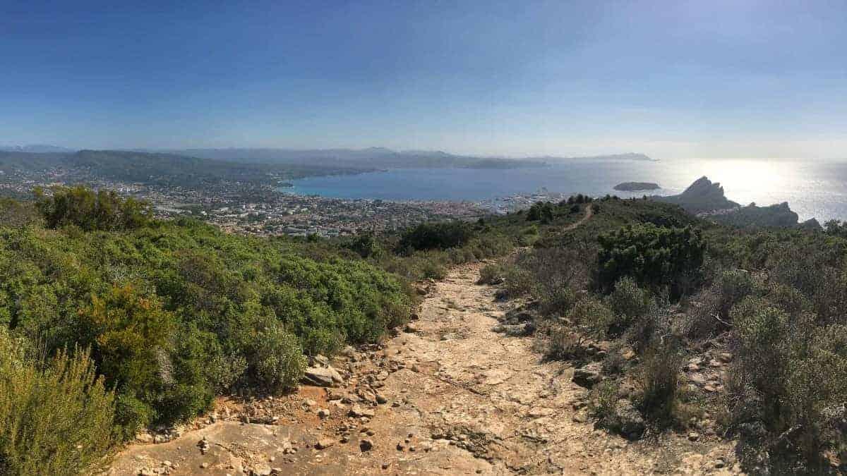 Küstenwanderweg Marseille Etappe 3 Aufstieg zum Sentier Cap Canaille oberhalb von La Ciotat