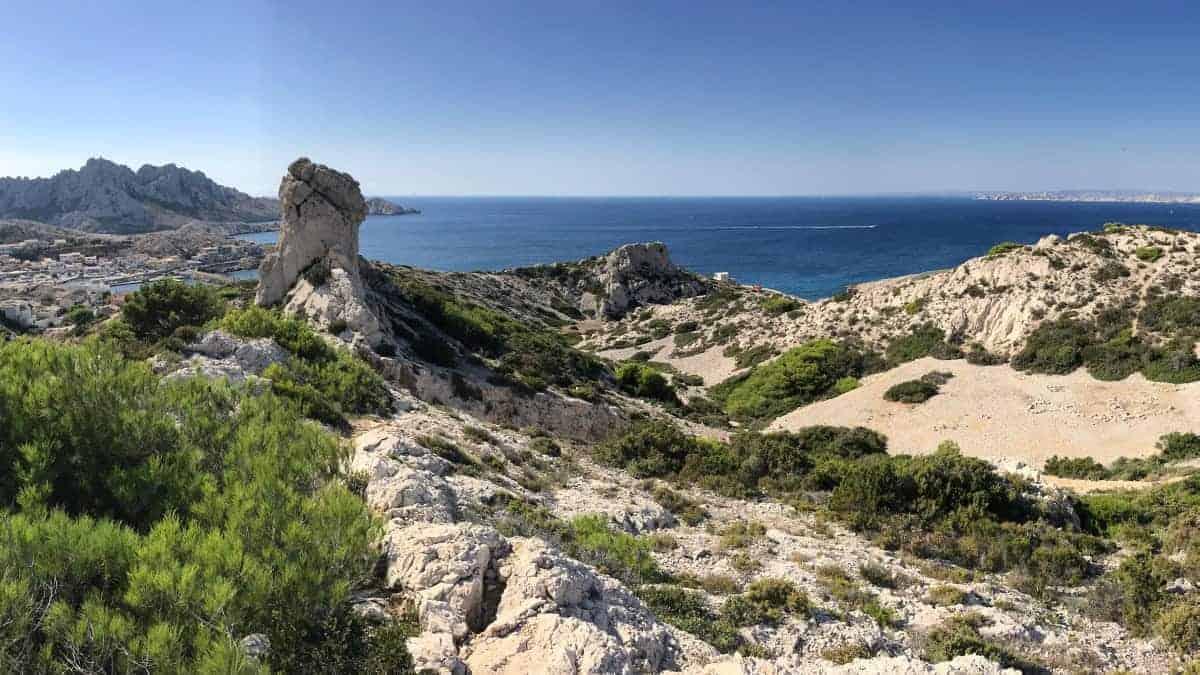 Küstenwanderweg Marseille Etappe 5 Blick vom GR51 auf Les Goudes