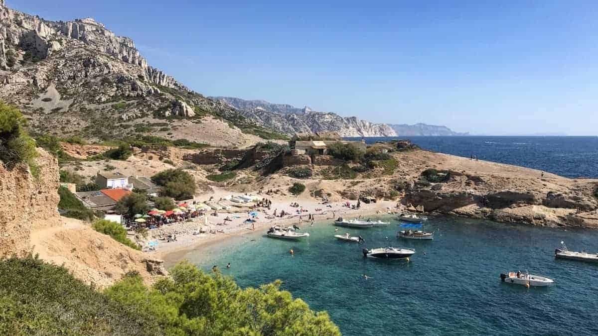 Küstenwanderweg Marseille Etappe 5 Das Bistro Le Belge lädt zum Mittagessen ein