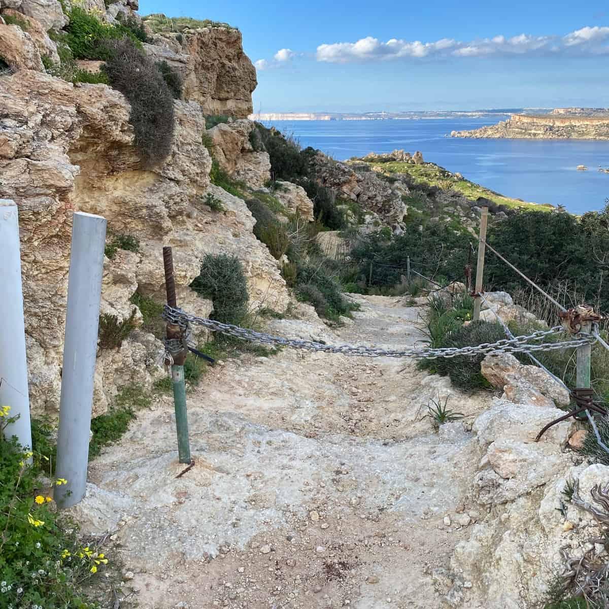 Malta und Gozo Absperrung mit Durchlass für Fußgänger
